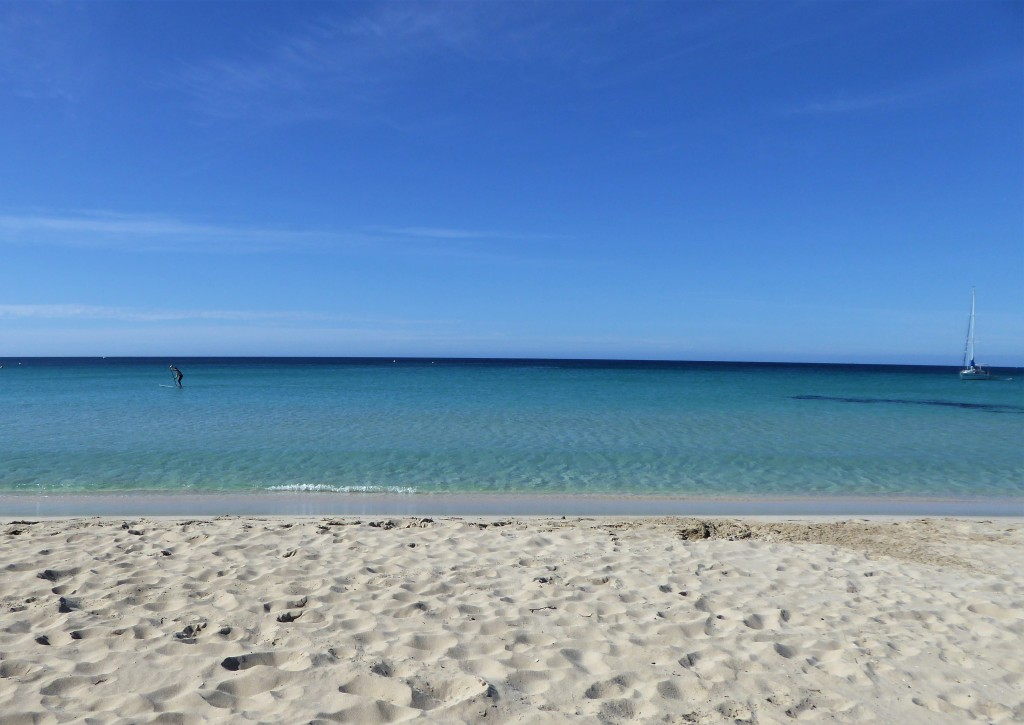 White sandy beach and turquoise blue waters in Eagle Bay
